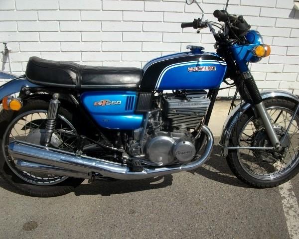 Suzuki_GT550_1972_GT550-15881_Blue